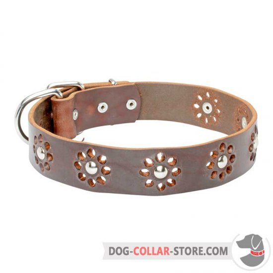 'Elegant Flower' Leather Dog Collar for Pleasant Walking