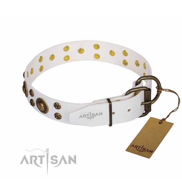 Amazing natural genuine leather dog collar for handy use