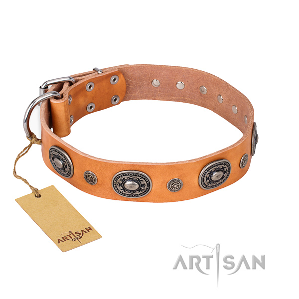 Top rate natural genuine leather collar made for your canine